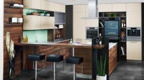 Küche mit integrierten Weinkühlschrank